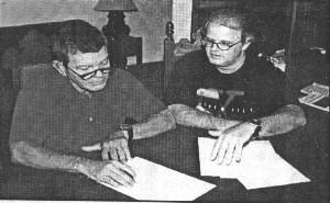 Coronel Uyrang�, em entrevista ao editor da Revista UFO, A. J. Gevaerd: revela��es in�ditas de opera��o realizada sob sigilo h� 20 anos (cortesia: Revista UFO) (Click para ampliar)