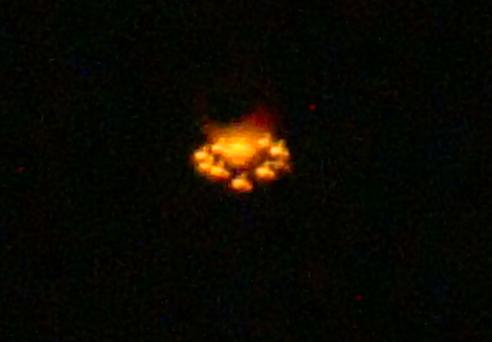 Bal�es ainda causam relatos de UFOS em todo o mundo (Click para ampliar)