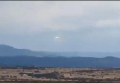 Imagem de suposto UFO em janeiro de 2020, nas imediações do Morro da Baleia, na Chapada dos Veadeiros, Goiás (foto reprodução)